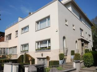 Roosevelt / Perou area: Large semi detached villa of the 1930s completely and very qualitatively renovated in 2012, 648m ² of which ± 500m