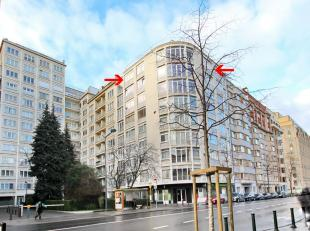 Cincuentenaire 5 minutes walk from Rond Point Schuman: close to the european institutions, on the 8th floor, magnificent light-filled 140m² appar