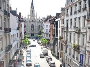 Quartier Saint-Boniface : Très lumineux et spacieux appartement de 143m² au coeur d'Ixelles. Hall d'entrée, espace de vie de &plusm