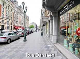 Dansaert Sainte-Catherine : Bel appartement de caractére de 150m² à rénover, au 1er étage d'un immeuble de style Haus