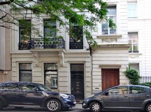 Louise Stéphanie :dans une rue calme Bel appartement meublé lumineux situé dans une maison de caractère. 2 chambres, salle
