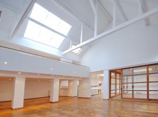 SAINT GILLES/STEPHANIE : Ensemble de 2entités. Une belle Maison de Maître construite en 1867 avec 440m² + 85m² de caves, 5 cham