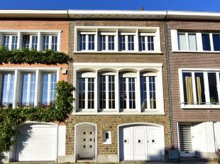 Woluwe Saint-Pierre tussen vogelzang en park Woluwe: goed huis van 210m² om op te frissen, met grote tuin van 180m². Verblijf van / - 50m&su