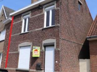 - Deze instapklare woning met tuin is afgewerkt met recente materialen en geniet een centrale ligging te Sint-Denijs (Zwevegem). Indeling: - inkomhal