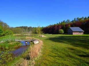 Magnifique terrain comprenant un verger, une prairie libre d'occupation ainsi que deux étangs et sa cabane de pêche sur une parcelle de p