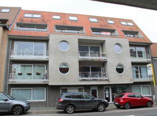 Zonnig en goed onderhouden duplex-appartement met twee slaapkamers en mooi terras gelegen op de derde verdieping van een recente, goed beheerde reside