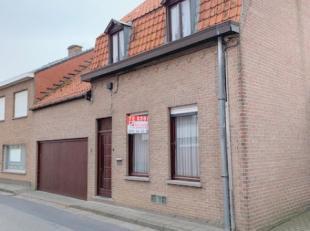 Huis met grote garage van 30 m2 met aansluitend een werkplaats van 25 m2 (ideaal voor de zelfstandige of hobbyist) met doorgang naar de zongerichte tu