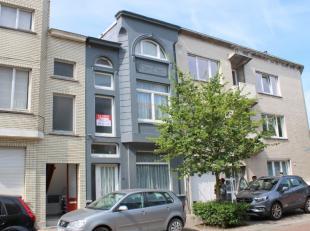 Centraal gelegen woning met een vrij energiezuinig karakter (263 kWh/m2), centrale verwarming op aardgas en grote, ingerichte zolder met vaste trap. I