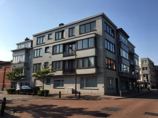 Zeer verzorgd appartement van 95 m2 met parkzicht en drie slaapkamers op een centrale ligging dicht bij alles. Gelegen op de eerste verdieping in een