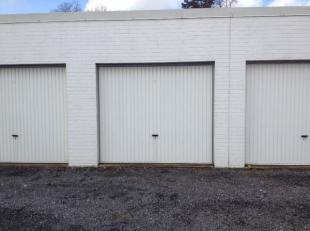 Ruim en onderhouden garagebox in centrum van Gistel. Haenebrouckstraat 8 A, Gistel, garage nr 12. Meteen vrij. Huurprijs 60 euro per maand.
