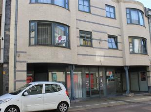 Mooi appartement in het centrum van Hamont. Het appartement is gelegen op de eerste verdieping. Lift in het gebouw aanwezig.<br /> Indeling appartemen