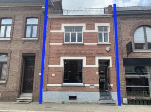 Deze woning met mogelijkheid tot 3 of 4 slaapkamers is gelegen in het centrum van Wellen. Momenteel wordt er in de woning een schoonheidsinstituut uit