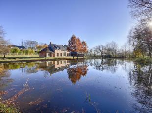 Op een boogscheut van Marke en Moeskroen vindt u  deze unieke nieuwbouwvilla met landelijk karakter. De woning bevindt zich op een terrein van maar li