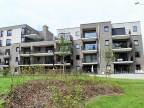 Dit luxueus afgewerkt appartement is gelegen aan de rand van het centrum van Hasselt.<br /> Het appartement bevateen inkomhal (voorzien van inbouwkast