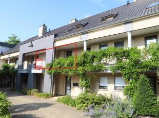 Dit appartement is gelegen in het centrum van Peer, op wandelafstand van winkels, banken, de kerk, openbaar vervoer, ....<br /> Een heel praktische wo