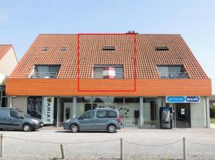 Dit appartement is gelegen in het centrum van Peer, op steenworp afstand van winkels, openbaar vervoer, ....<br /> Een heel ruime duplex met een total