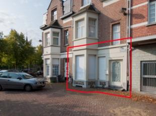 Het betreft een handelsgelijkvloers in het centrum van Maria-ter-Heide, op het Zegeplein.De winkelruimte is ongeveer 52m2 groot, inclusief de keukenru