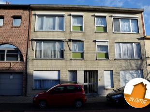 Appartement gelegen op de eerste verdieping te Hemiksem.Centraal gelegen nabij het centrum van Hemiksem, waterbus (Hemiksem-Antwerpen), openbaar vervo