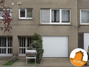 Dit duplexappartement is gelegen in een rustige woonwijk te Boechout en toch in de direct omgeving van de baan Lier-Mortsel.Het appartement is van het