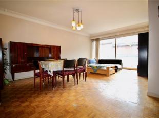 EN ATTENTE DE SIGNATURE DE COMPROMIS DE VENTE ! Bel appartement situé dans l'hyper centre de Liège. Il se compose d'un hall d'entr&eacut