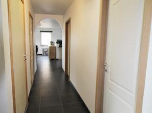 Superbe appartement spacieux idéalement situé au calme, proche de toutes commodités ! Il se compose d'un hall d'entrée, WC