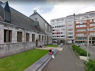 Studio (36 m²) situé en plein centre de Liège. Entièrement rénové. Une pièce à vivre avec nouvel