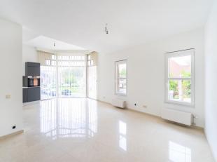 CAP-SUD vous propose ce très bel appartement 2 chambres + bureau dans un immeuble de 3 unités sans ascenseur. Il vous offre 100 m²