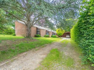 OPTION !!!  Villa située dans la région de Bierges ! Sise sur un terrain de 18 ares avec accès aisé à l'E411, cette