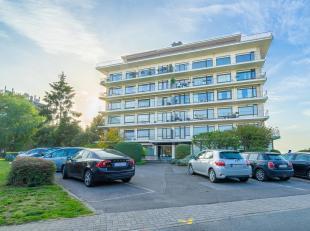 OPTION! CAP SUD vous propose ce bel et lumineux appartement trois chambres sis à proximité du centre du Wavre, proche de toutes les faci