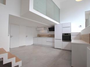 Cap Sud Namur vous propose un loft deux chambres,nouvellement rénové 2019 . Situé à Salzinnes, à proximité d