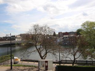 Cap Sud Namur vous propose un appartement 2 chambres en bon état , bénéficiant d'une situation privilégiée ! Situ&e