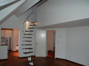 Sombreffe - Splendide Duplex de 105 m² avec cuisine équipée , living , 3 chambres ( coin parent), salle de bain+douche,bureau, dres