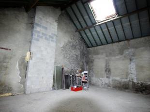 Cap Sud Namur vous propose un gros oeuvre de +-40m² au sol sur une hauteur de 5,5 m. Bâtiment entièrement à équiper et