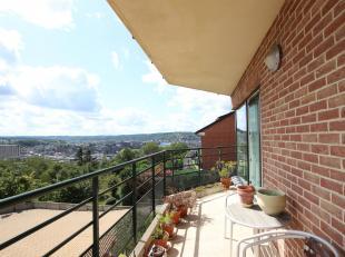 Cap Sud Namur vous propose un très bel appartement 2 chambres ( près de 100 m² )  en très bon état et bén&eacu