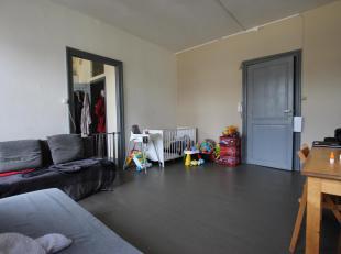 Cap Sud Namur vous propose un appartement une chambre à proximité du centre de Namur. Composition: hall, séjour, cuisine (une nou