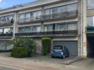 Wemmel, Vijverslaan, appartement op de 1e verdieping van een klein gebouw met lift. <br /> Het bestaat uit een inkomhal met apart toilet, een woonkame