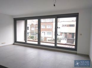 Wemmel, op de eerste verdieping van een nieuwbouw constructie, appartement bestaande uit een inkomhal met apart toilet, een lichtrijke woonkamer met v