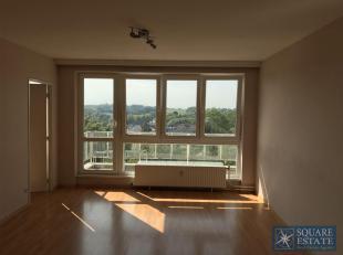Zellik, Breughelpark, appartement composé d'un hall d'entrée, d'une cuisine, d'un living, d'une chambre et d'une salle de bains avec bai