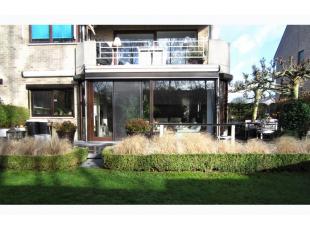 ZAT 23/2  1ste BEZOEKDAG OP AFSPRAAK 0488/85.81.84 Prachtig gelijkvloers appartement van 130m² met zonnig terras 60m² en aangelegde tuin 215