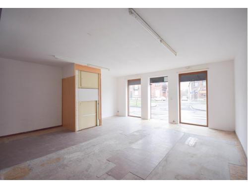 Bâtiment commercial à vendre à Mons, € 110.000