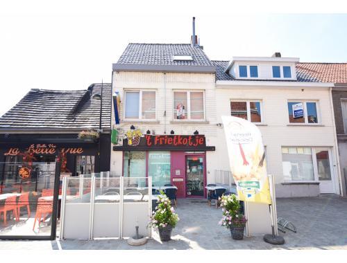 Handelspand met woonst te koop in Ursel, € 319.000