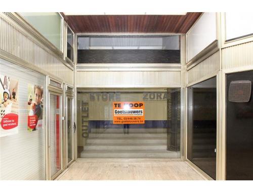 Handelsgelijkvloers te koop in Antwerpen, € 125.000