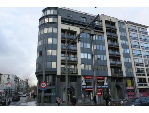 Bureaux à louer à Antwerpen, € 990