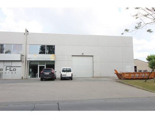 Bedrijfsgebouw te koop in Roeselare, € 449.200