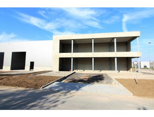 Bedrijfsgebouw te koop in Zedelgem, € 493.725