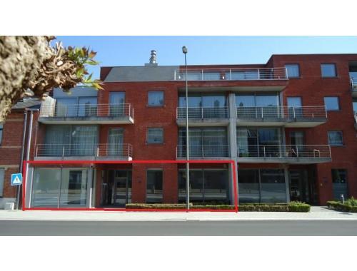 Kantoorgebouw te koop in Hasselt, € 825.000