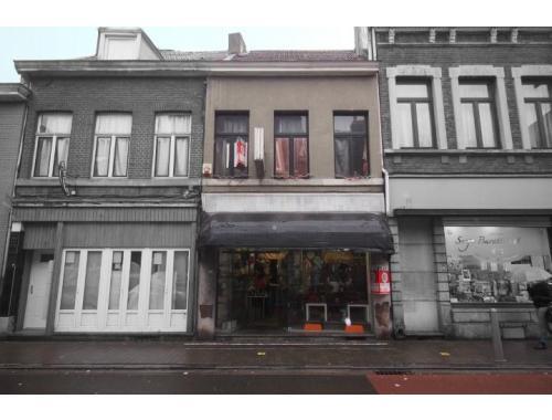 Handelsgelijkvloers te koop in Liège, € 65.000