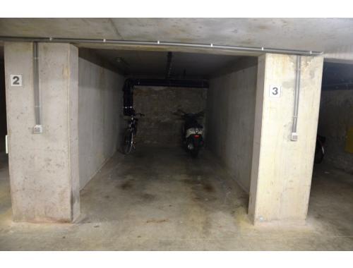 Garage louer brugge 77 c13o4 dewaele vastgoed for Location garage 77
