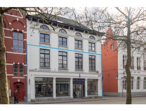 Appartementsgebouw te koop in Brugge, € 1.000.000