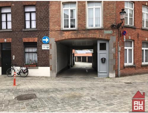 Garage te huur in Brugge, € 65